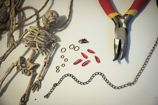 This is all you need to make the skeleton necklace.