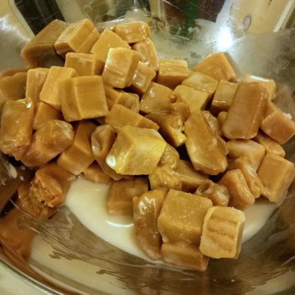 Copycat Samoas: melting caramels